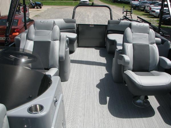 2020 Veranda boat for sale, model of the boat is VR2275RC Base & Image # 12 of 19