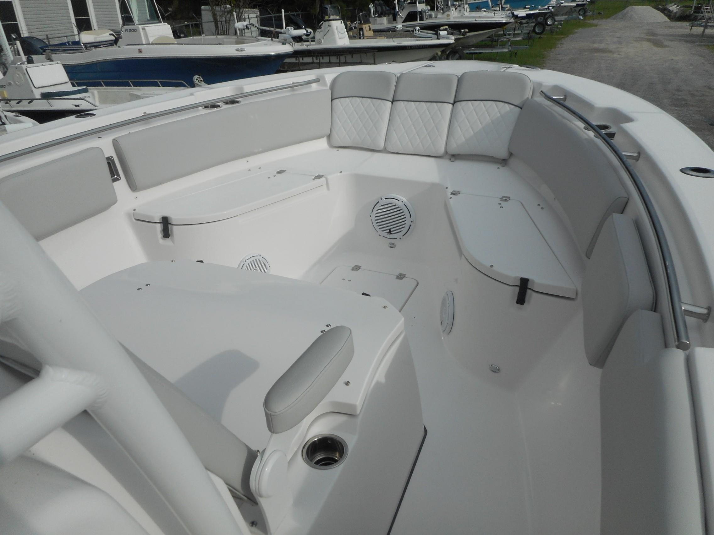 New  2020 28' Sea Fox 288 Commander Center Console in Slidell, Louisiana