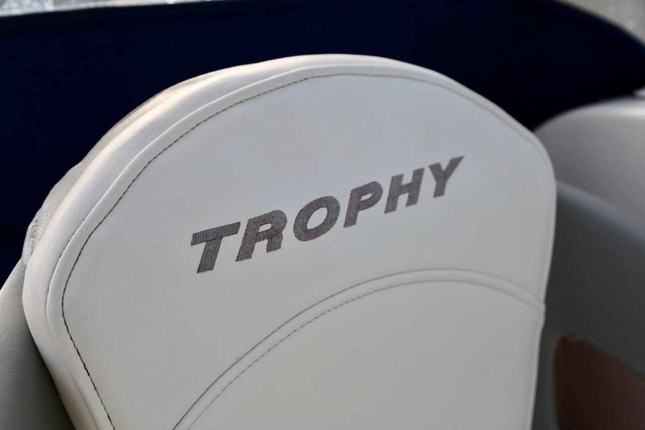 2009 Trophy 2152 Walkaround