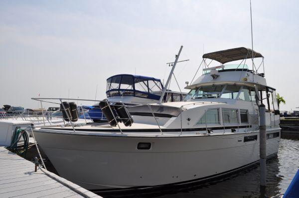 42' Bertram 42 Motor Yacht