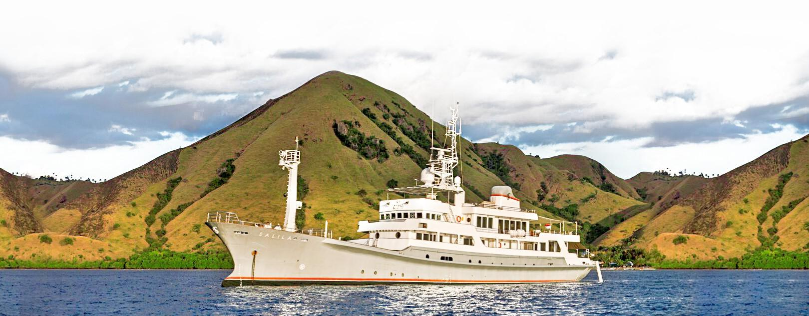 Expedition Charter Yacht-2