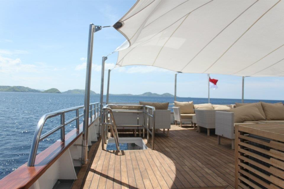 Expedition Charter Yacht-7