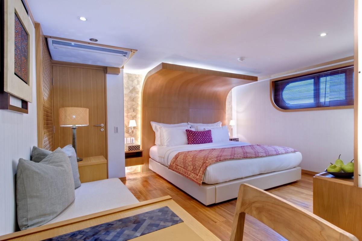 184 Custom Salila Guest Cabin