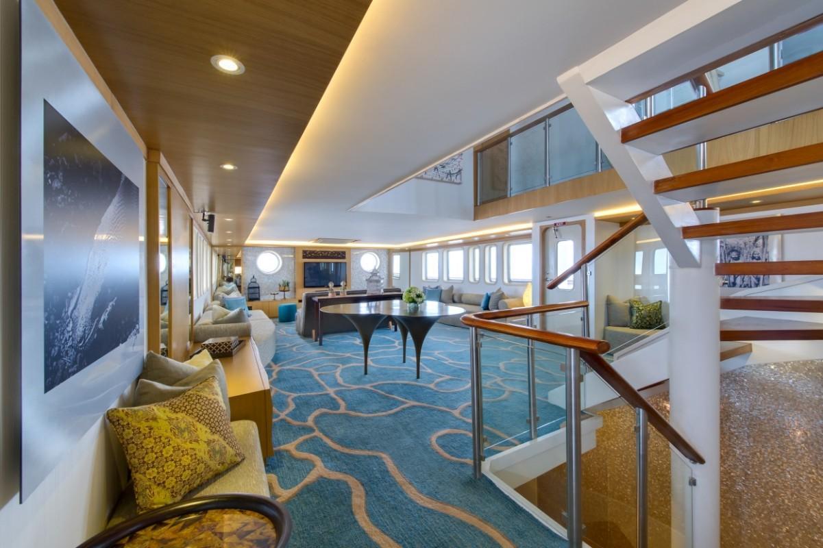 184 Custom Salila Lounge