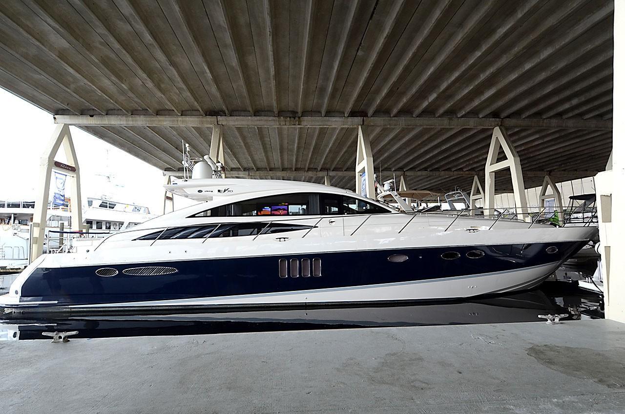 70' Princess V70 Sport Cruiser NATURAL 9