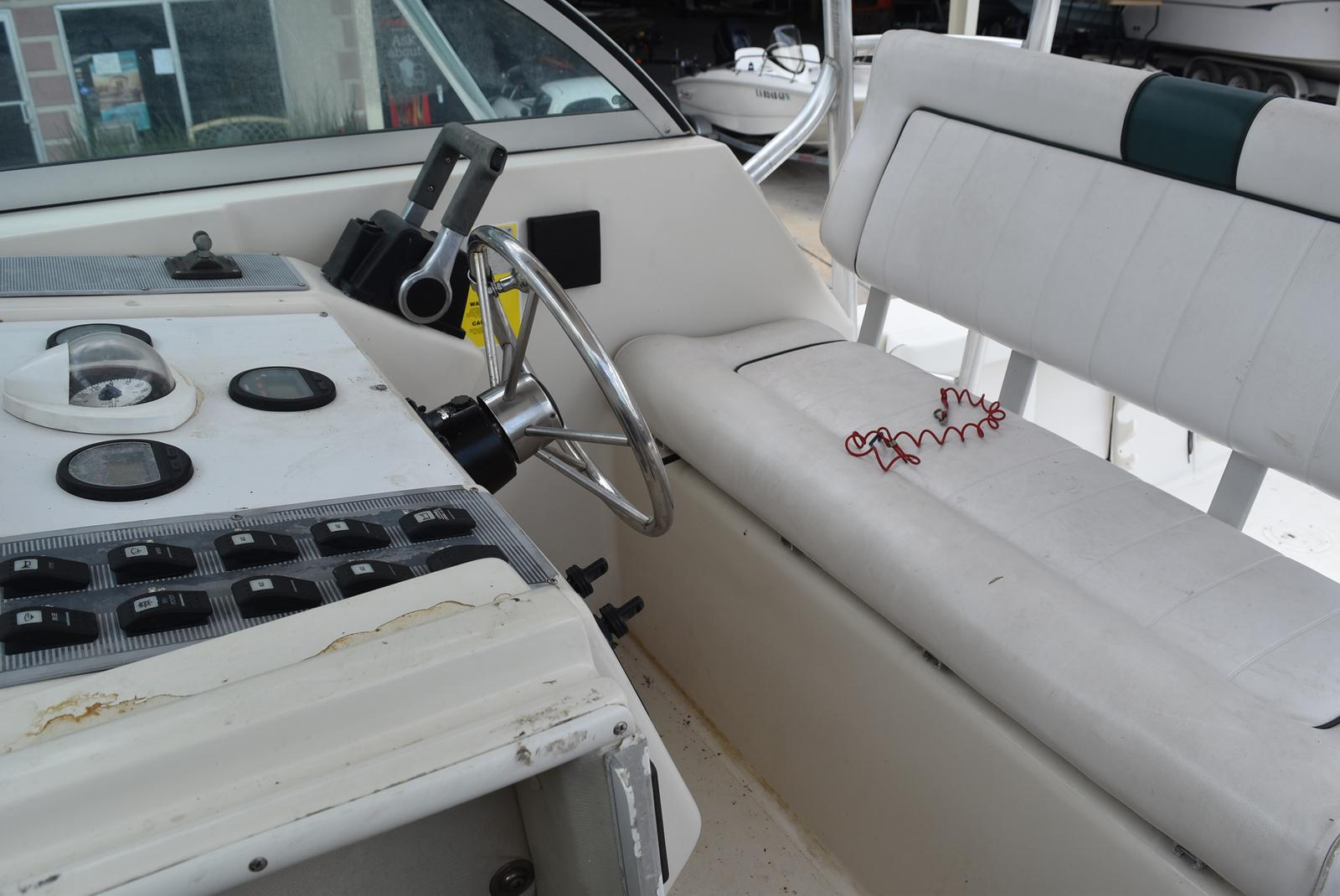 1996 Pro-Line boat for sale, model of the boat is 2950 & Image # 22 of 29