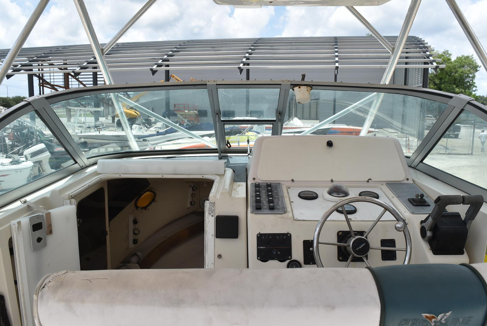 1996 Pro-Line boat for sale, model of the boat is 2950 & Image # 4 of 29