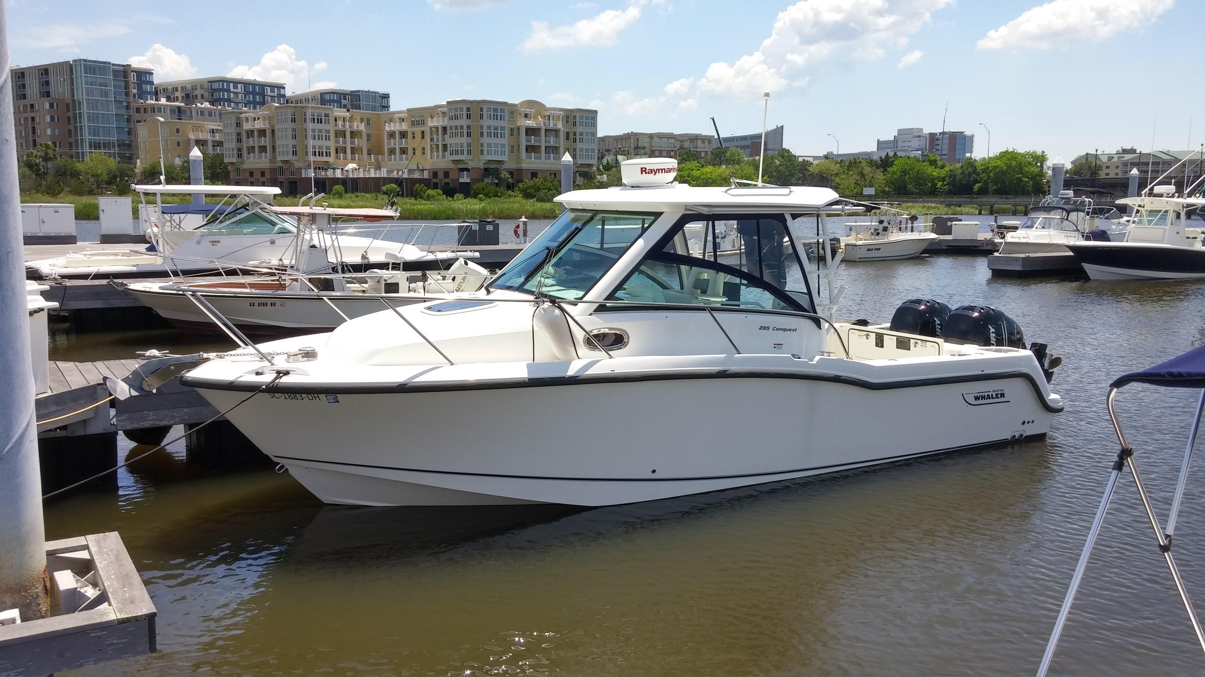 28 Boston Whaler 2015 Charleston | Denison Yacht Sales