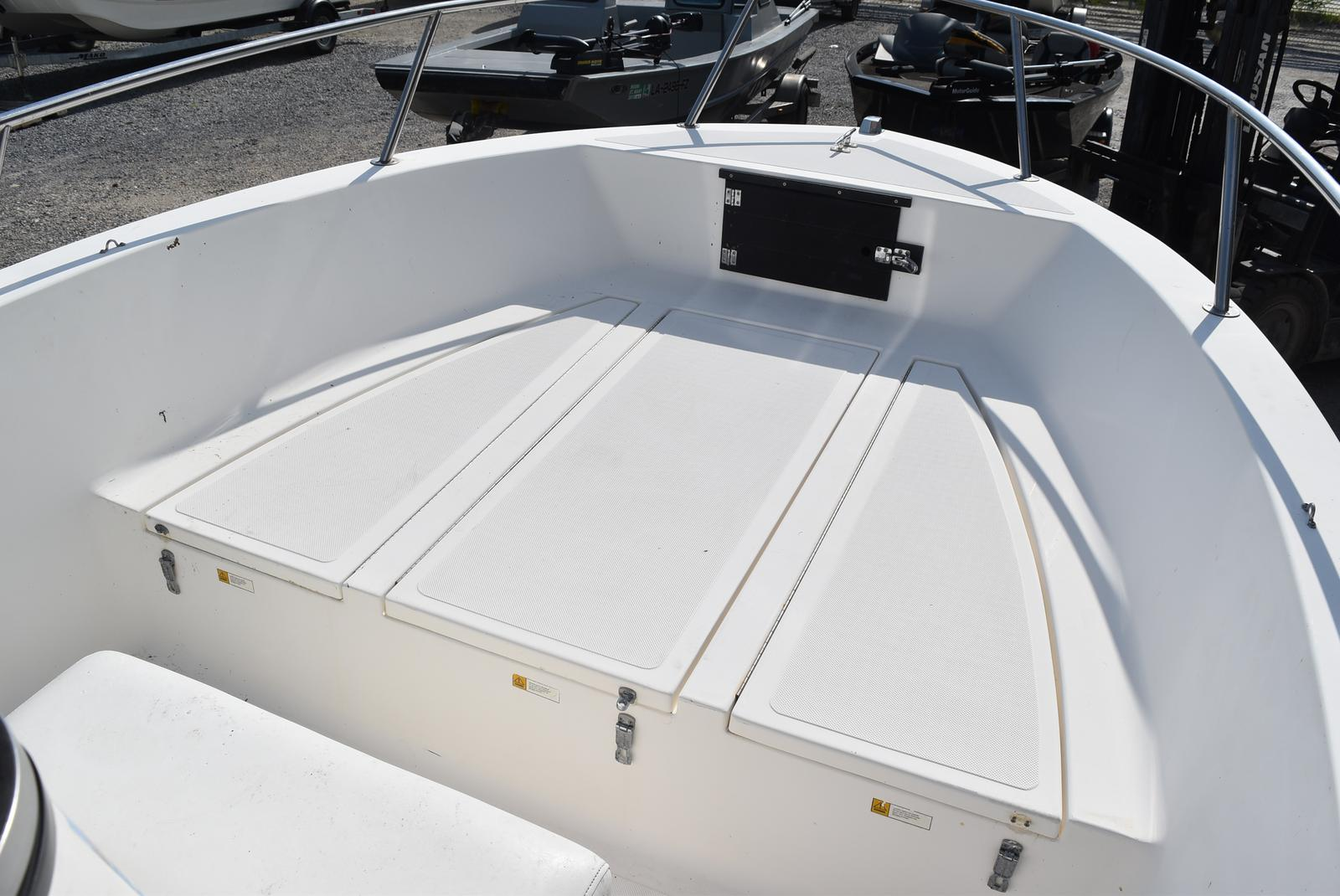 1993 Hydra-Sports boat for sale, model of the boat is 185 & Image # 7 of 14