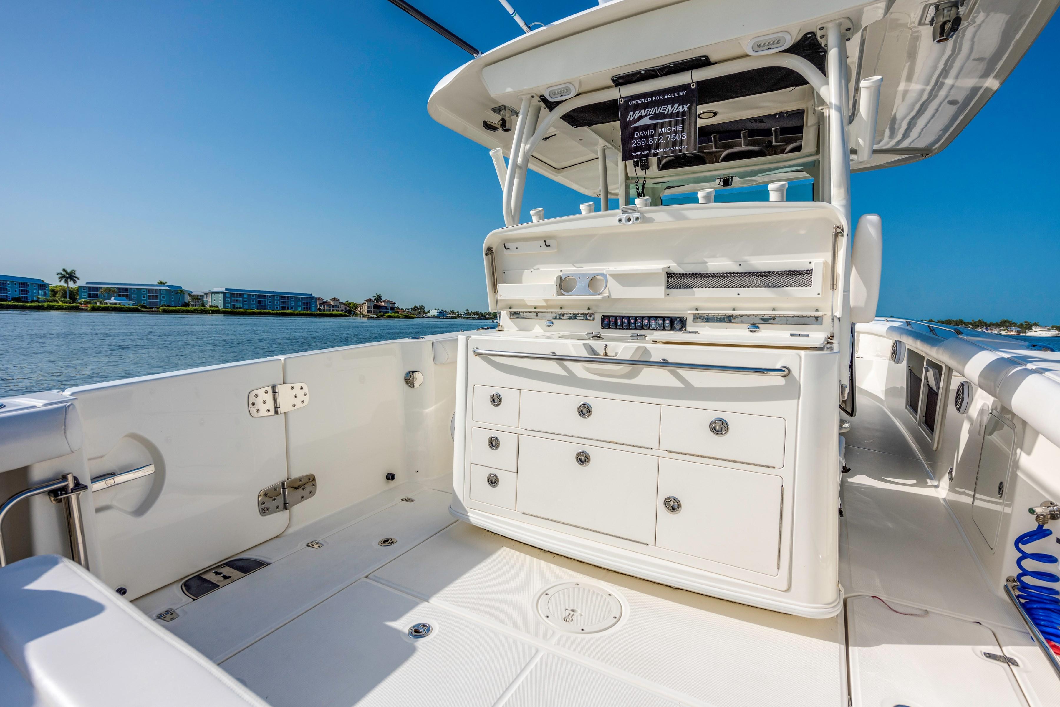 35 Boston Whaler 2015 Naples   Denison Yacht Sales