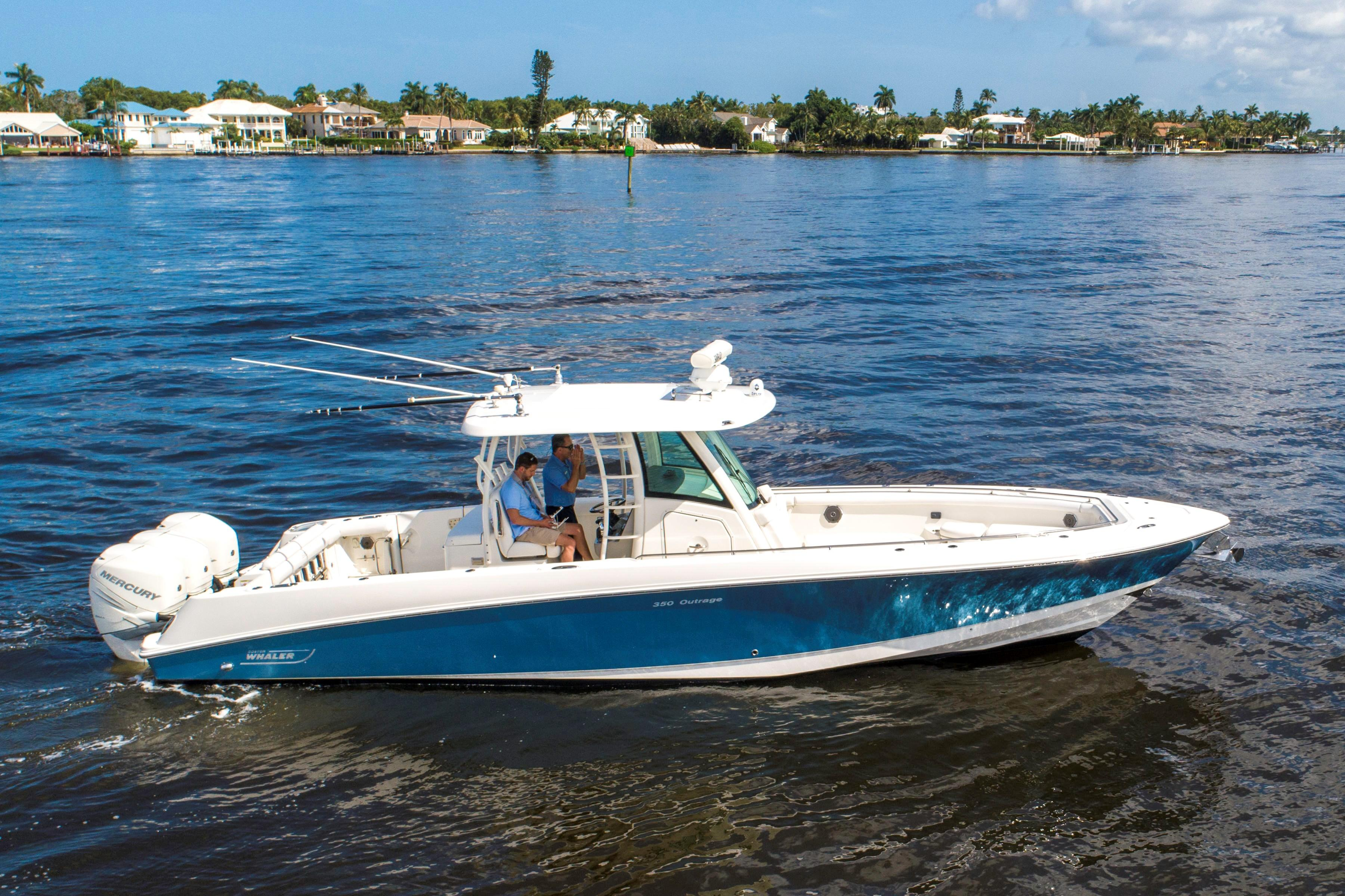 35 Boston Whaler 2015 Naples | Denison Yacht Sales