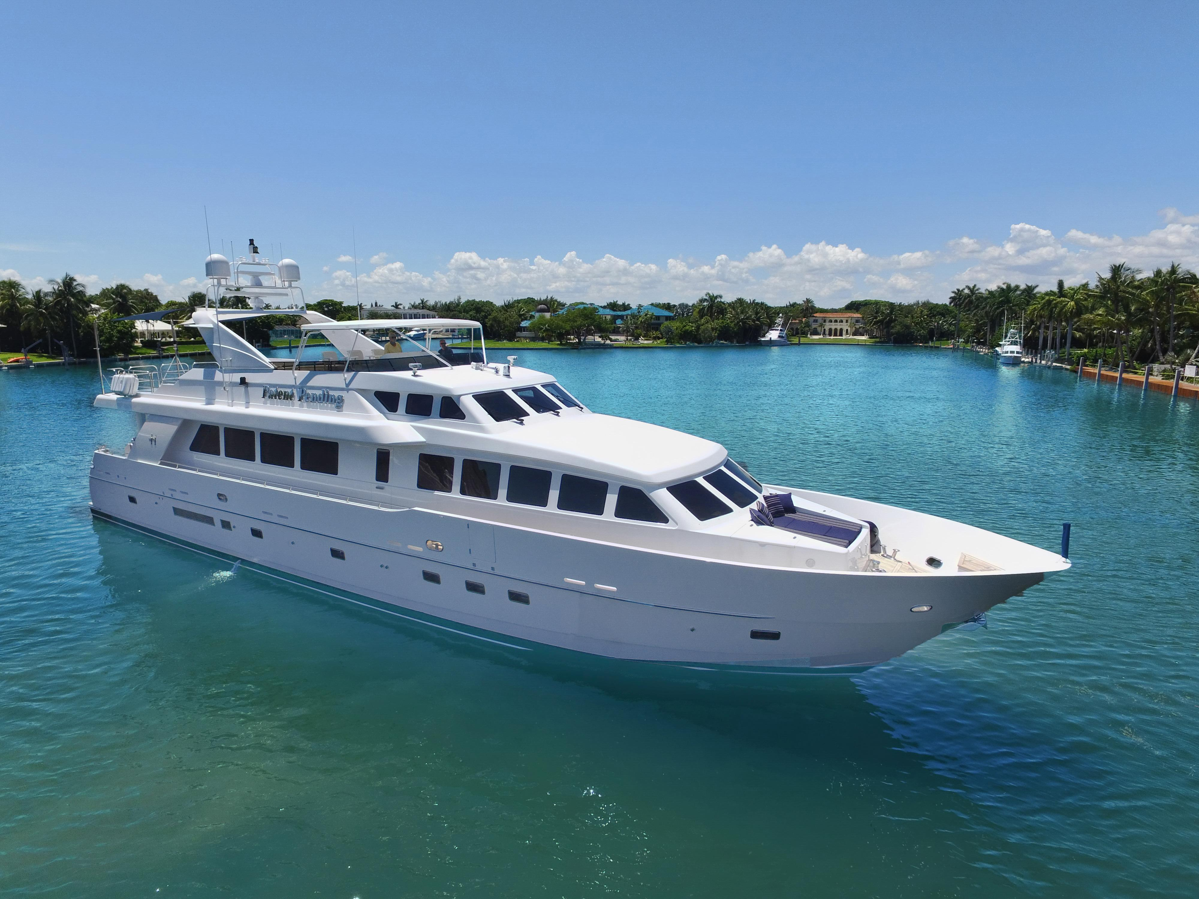Midnight Express Boat For Sale >> 95 HARGRAVE PATENT PENDING 2002 Miami | Denison Yacht Sales