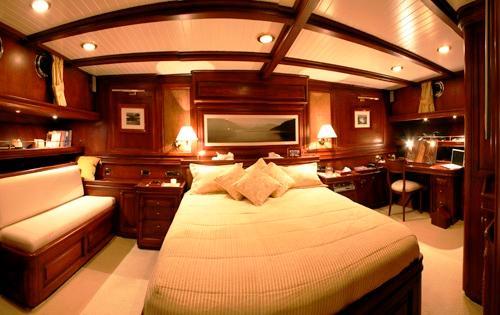 Spacious En-suite Master Cabin