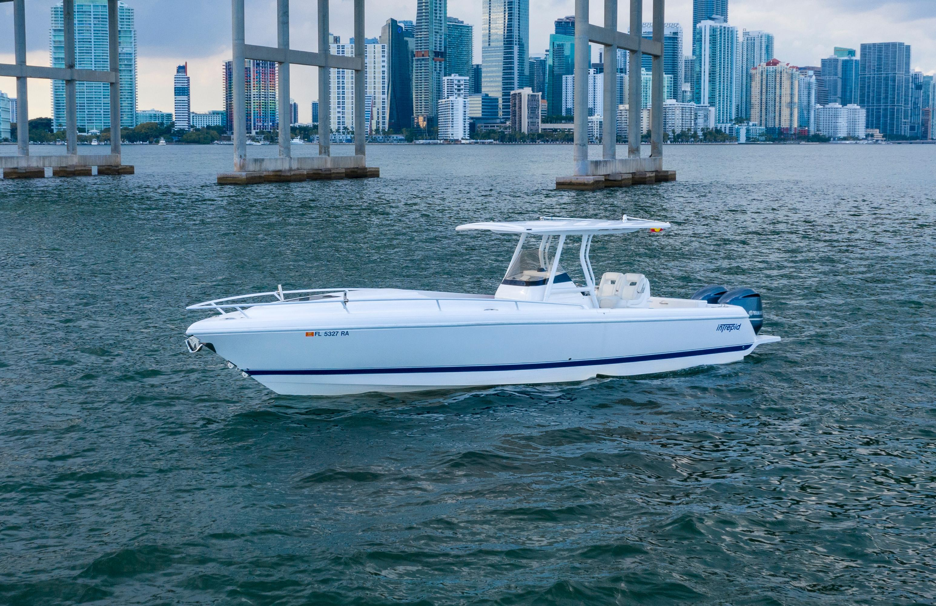 32' Intrepid 2016- Profile