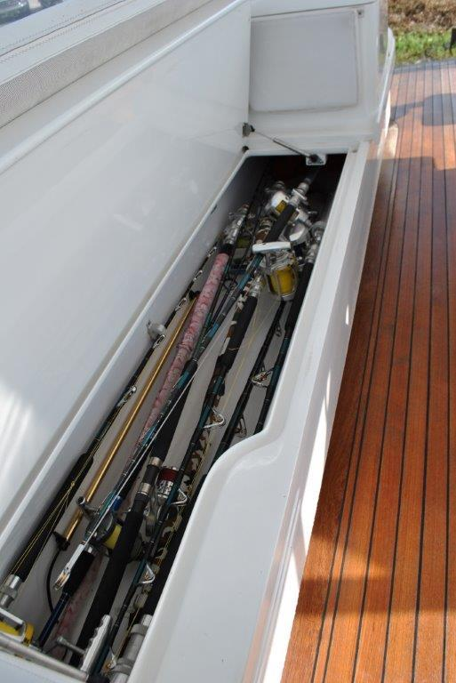 Flybridge rod storage
