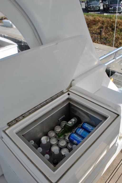 Flybridge drink box