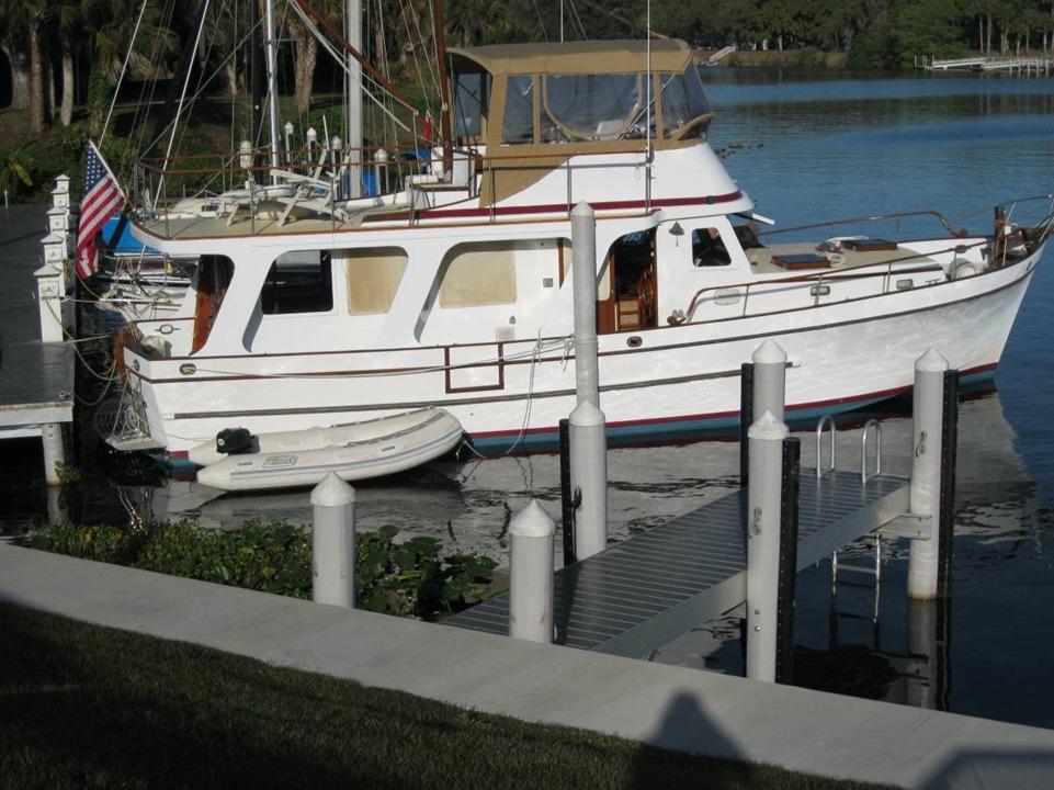 44' Marine Trader 1979 Europa