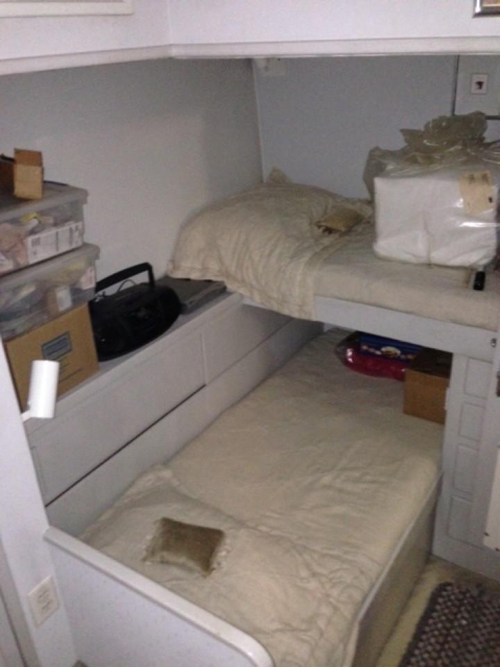 Guest athwartship bunks