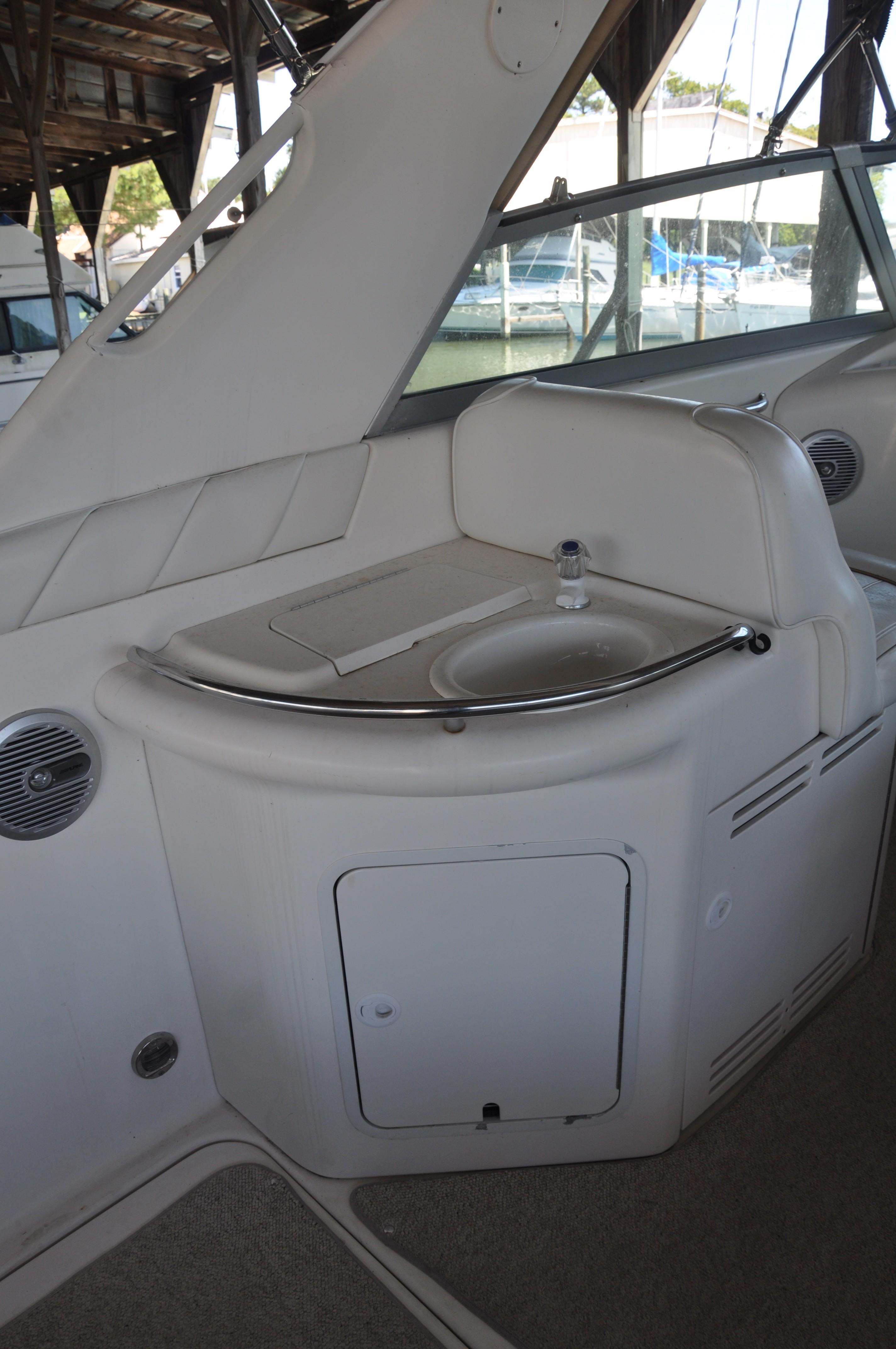 1996 Sea Ray 330 Sundancer | Powerboats for Sale