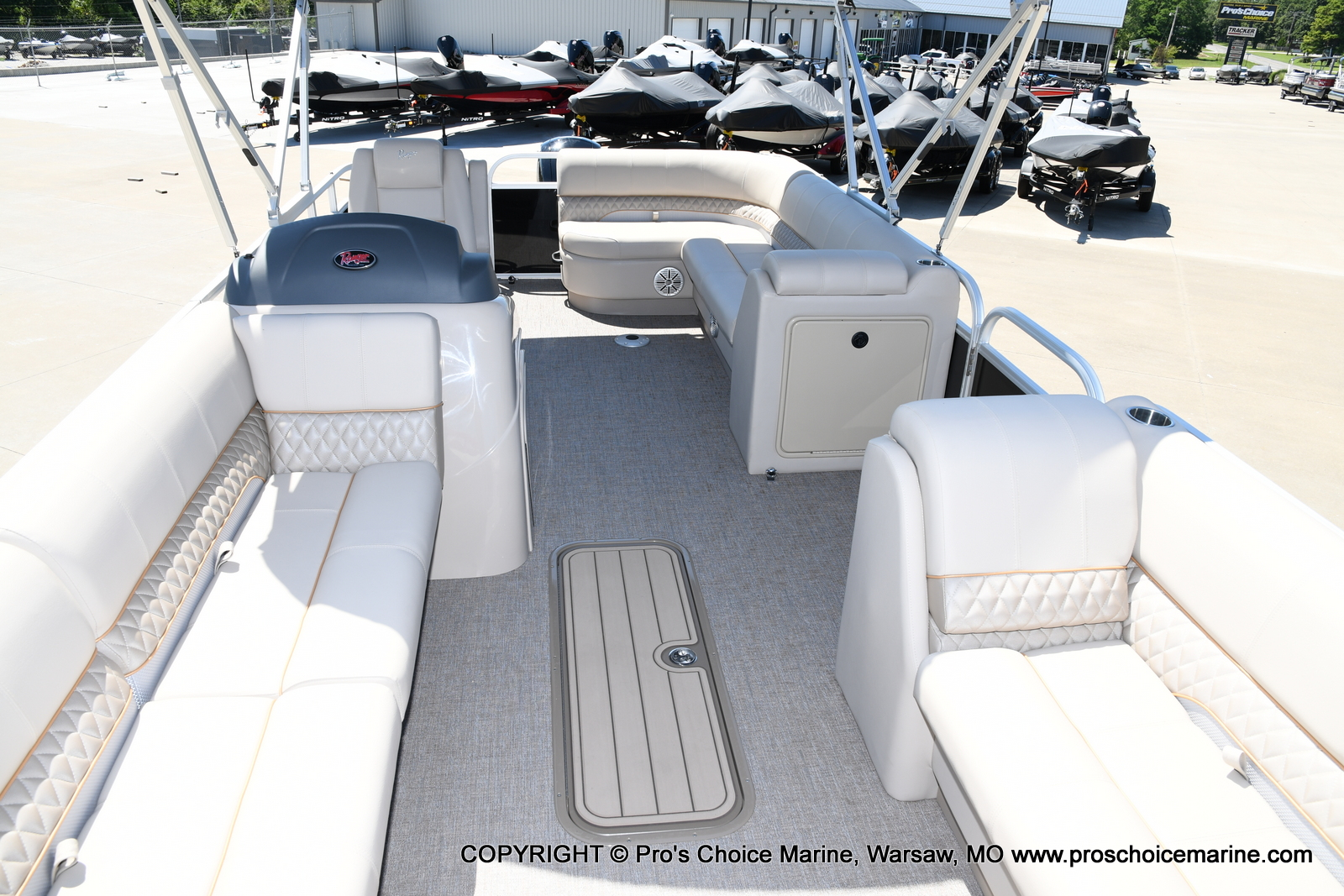 2021 Ranger Boats boat for sale, model of the boat is 223C TRIPLE LOG & Image # 33 of 50