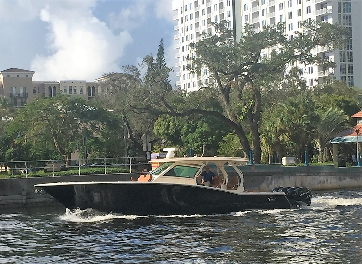 2018 SCOUT BOATS 420 LXF