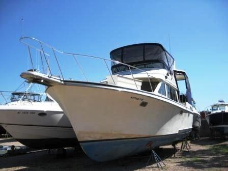 Tollycraft 40 Sundeck MY (MPM) Motor Yachts. Listing Number: M-3801794