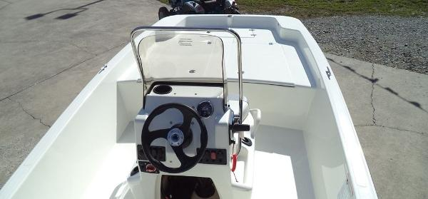 2019 Mako boat for sale, model of the boat is Pro Skiff 17 CC & Image # 3 of 12