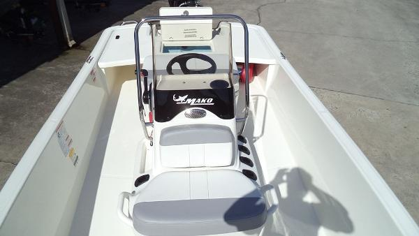 2019 Mako boat for sale, model of the boat is Pro Skiff 17 CC & Image # 5 of 12