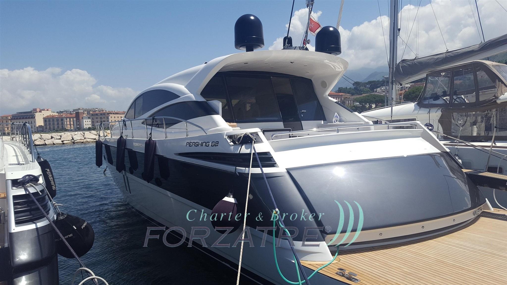 60.63 ft Pershing 62