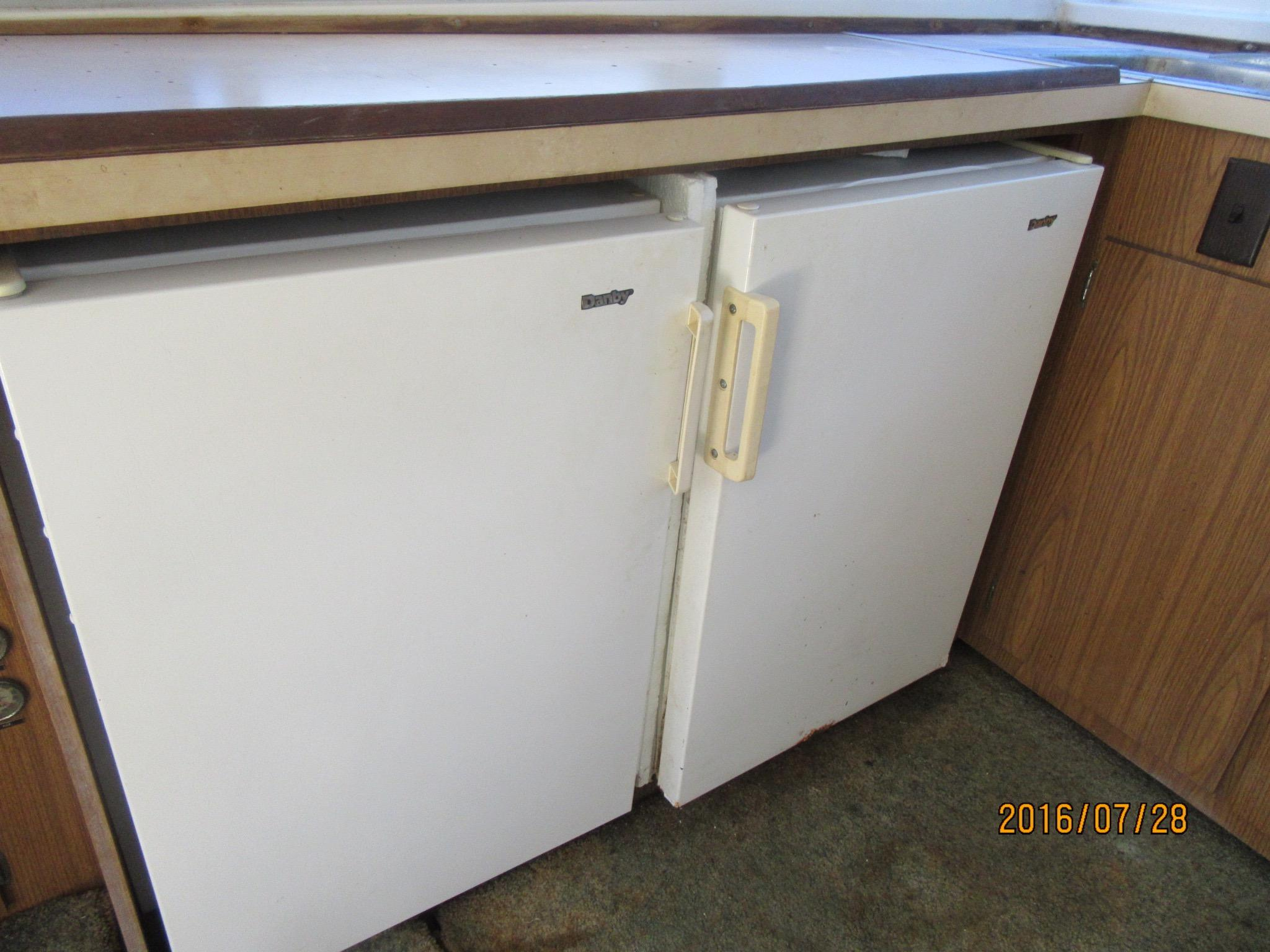 Under The Counter Refrigerator And Freezer