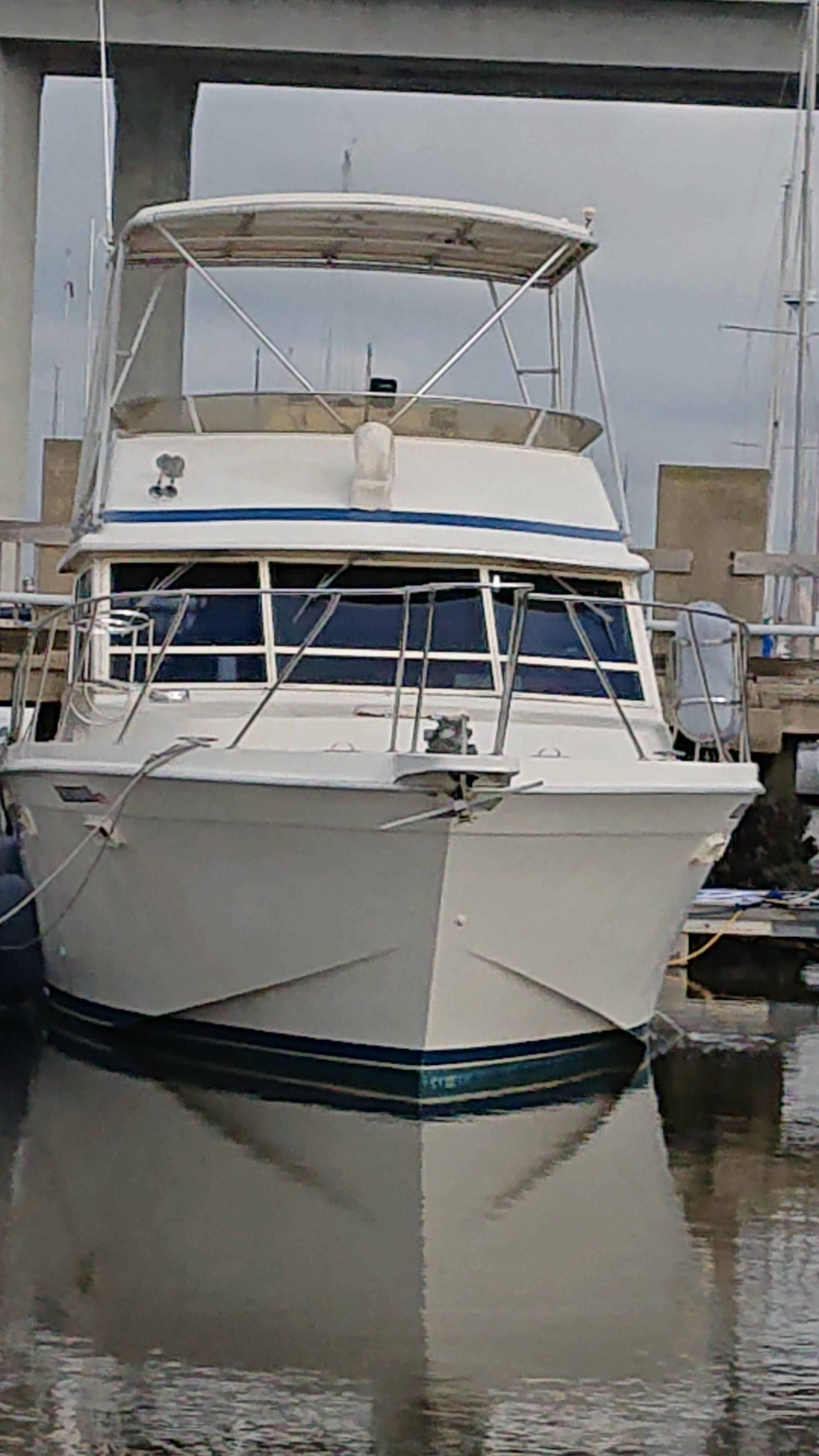 Chris-craft 382 Commander - Photo: #2