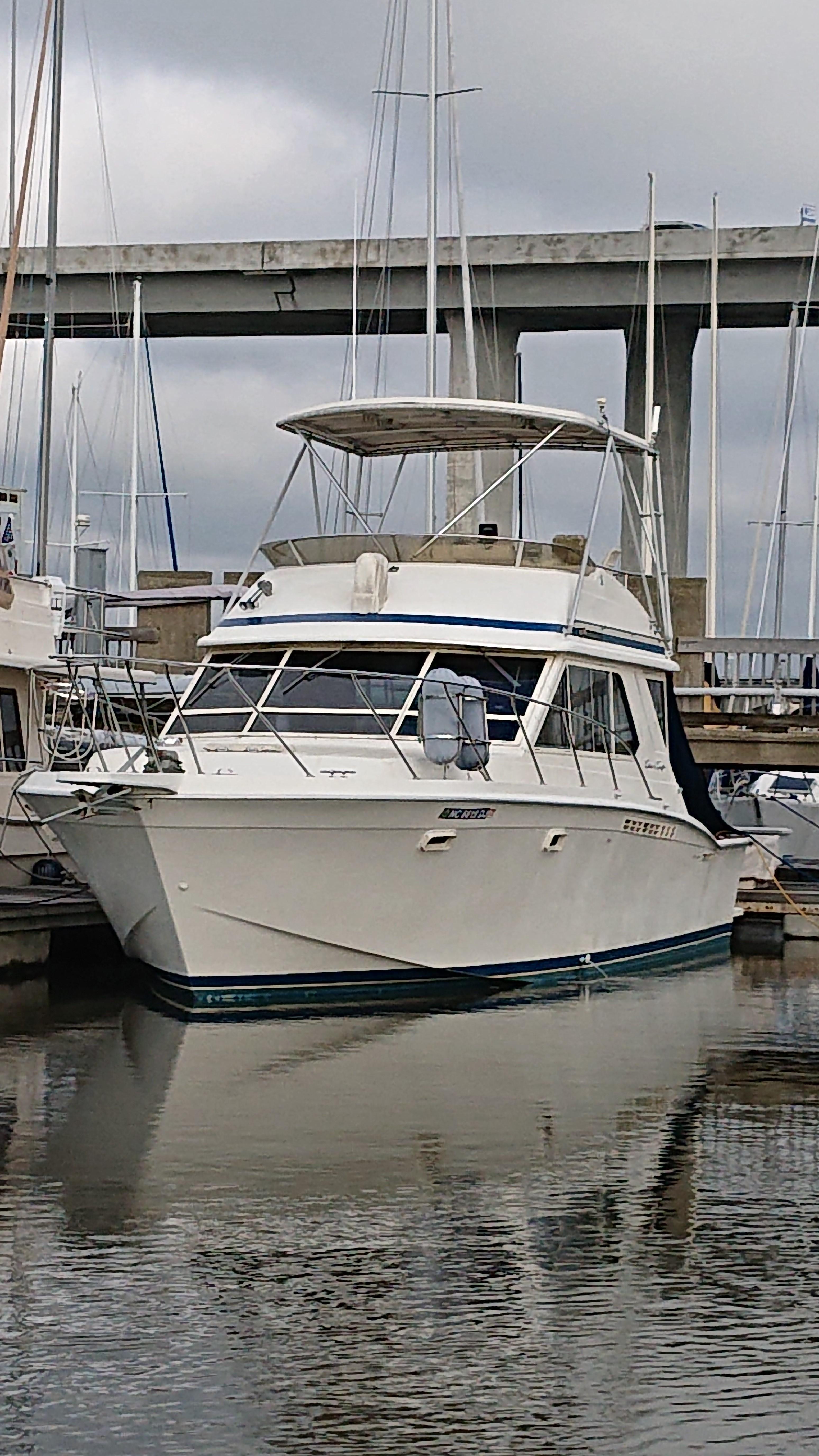 Chris-craft 382 Commander - Photo: #3