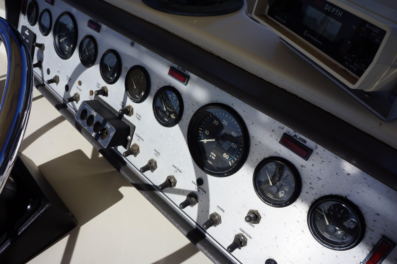 Chris-craft 382 Commander - Photo: #18