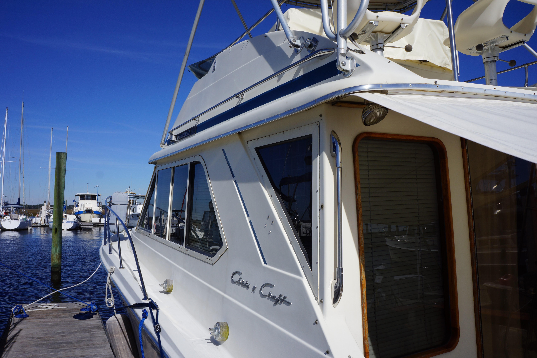 Chris-craft 382 Commander - Photo: #20