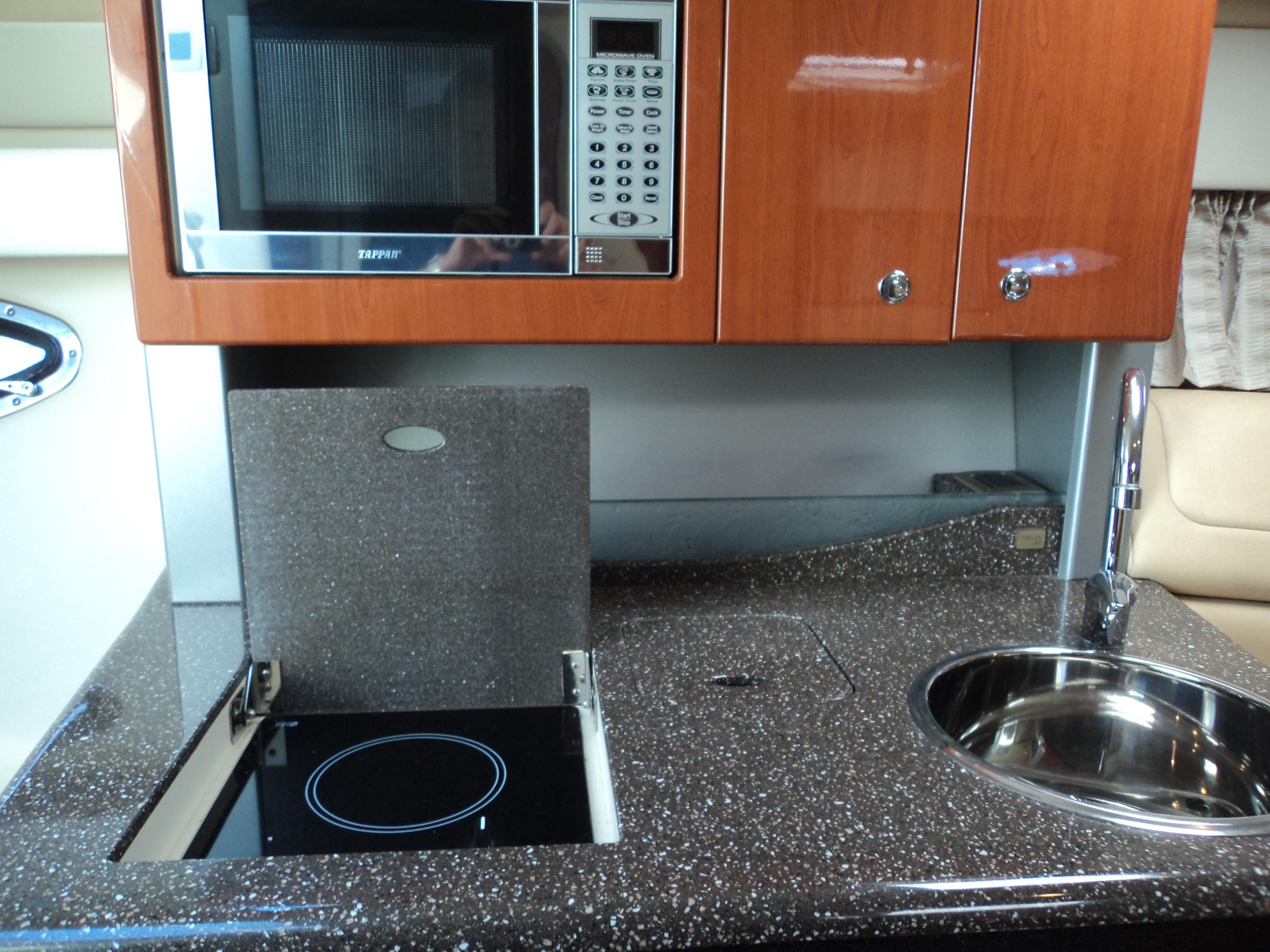 Cook Top And Microwave