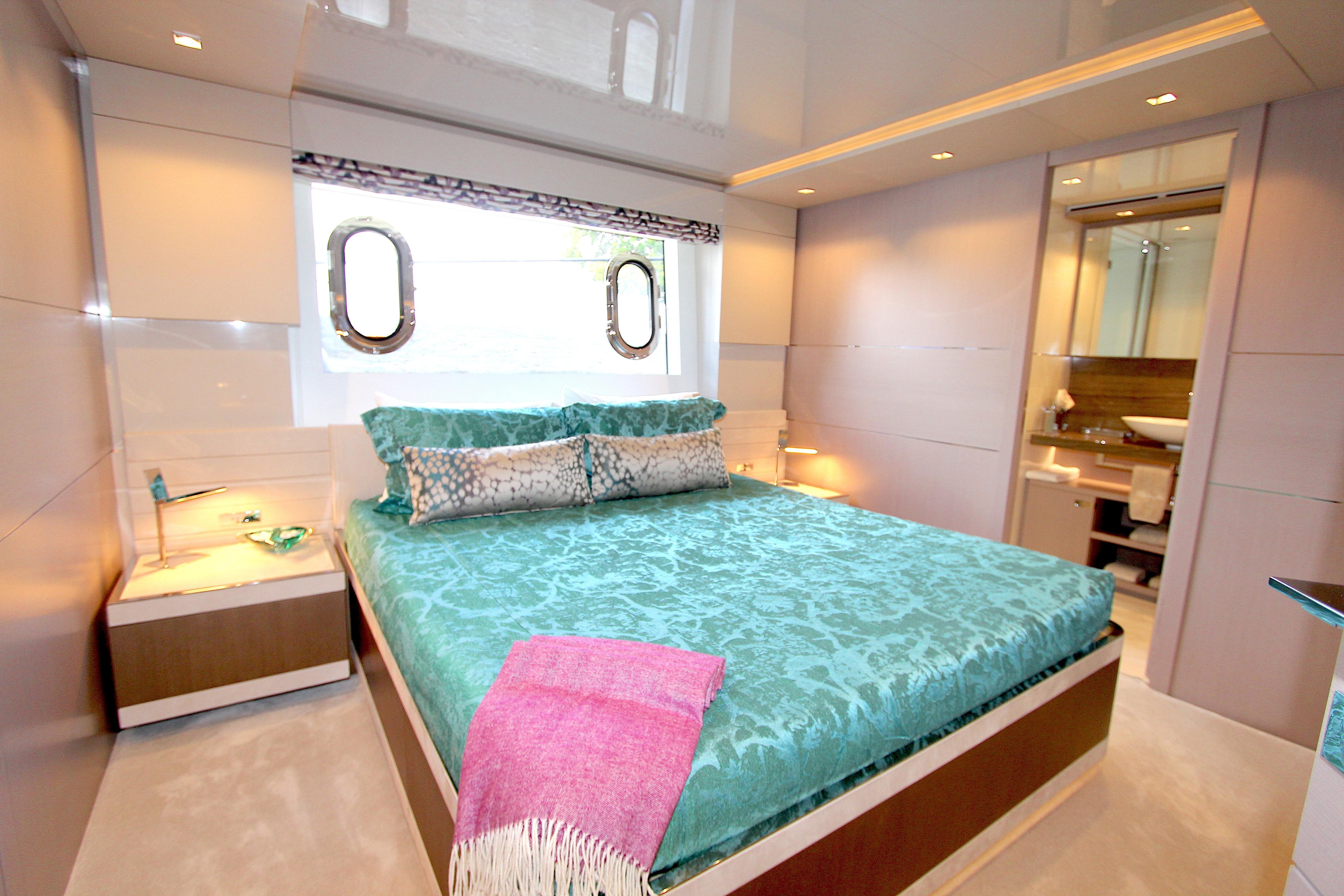 2016 Custom Line 108 - VIP SR