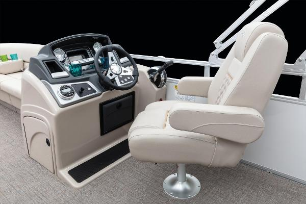 2020 Ranger Boats boat for sale, model of the boat is Reata 220C & Image # 42 of 48