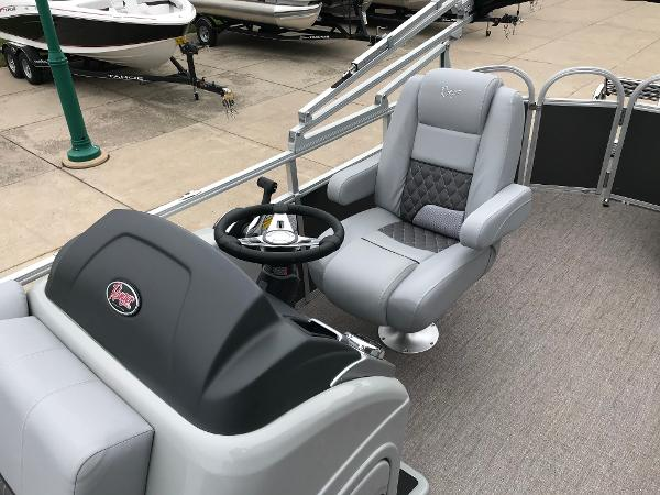 2020 Ranger Boats boat for sale, model of the boat is Reata 220C & Image # 7 of 48