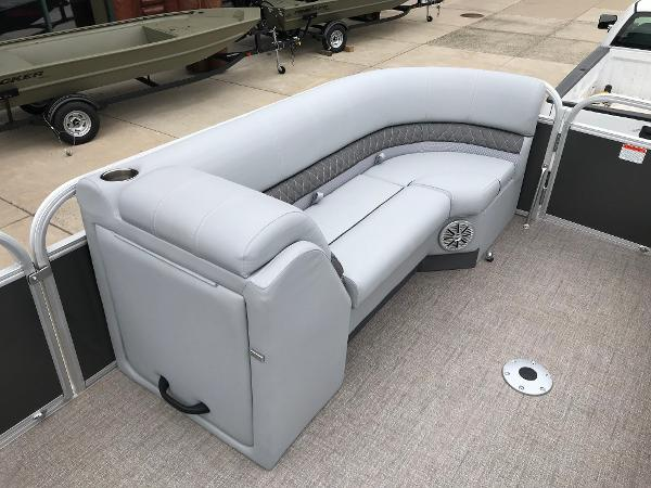 2020 Ranger Boats boat for sale, model of the boat is Reata 220C & Image # 19 of 48