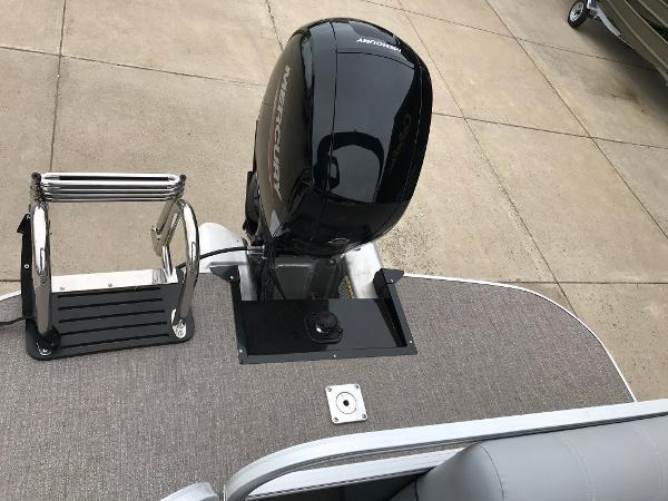 2020 Ranger Boats boat for sale, model of the boat is Reata 220C & Image # 14 of 48