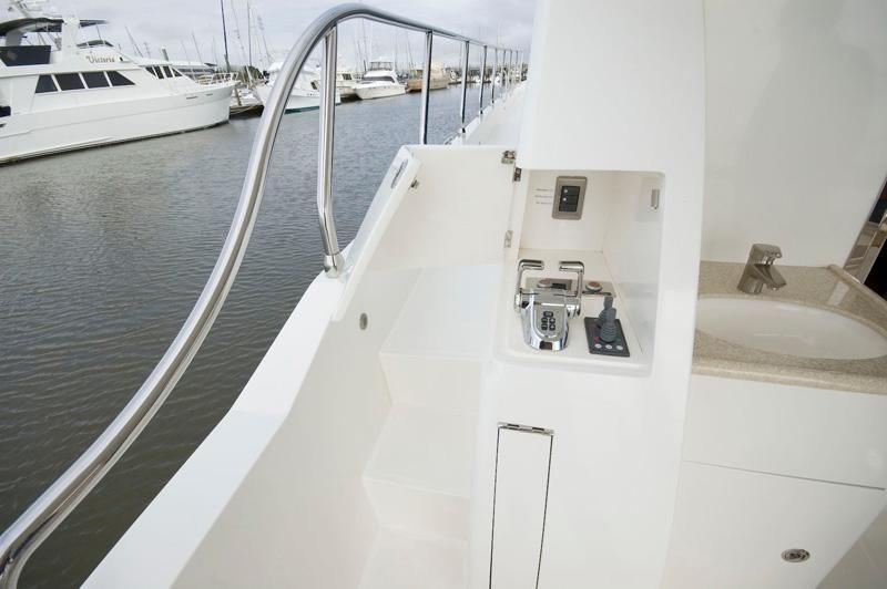 Dual Port And Starboard Docking Stations
