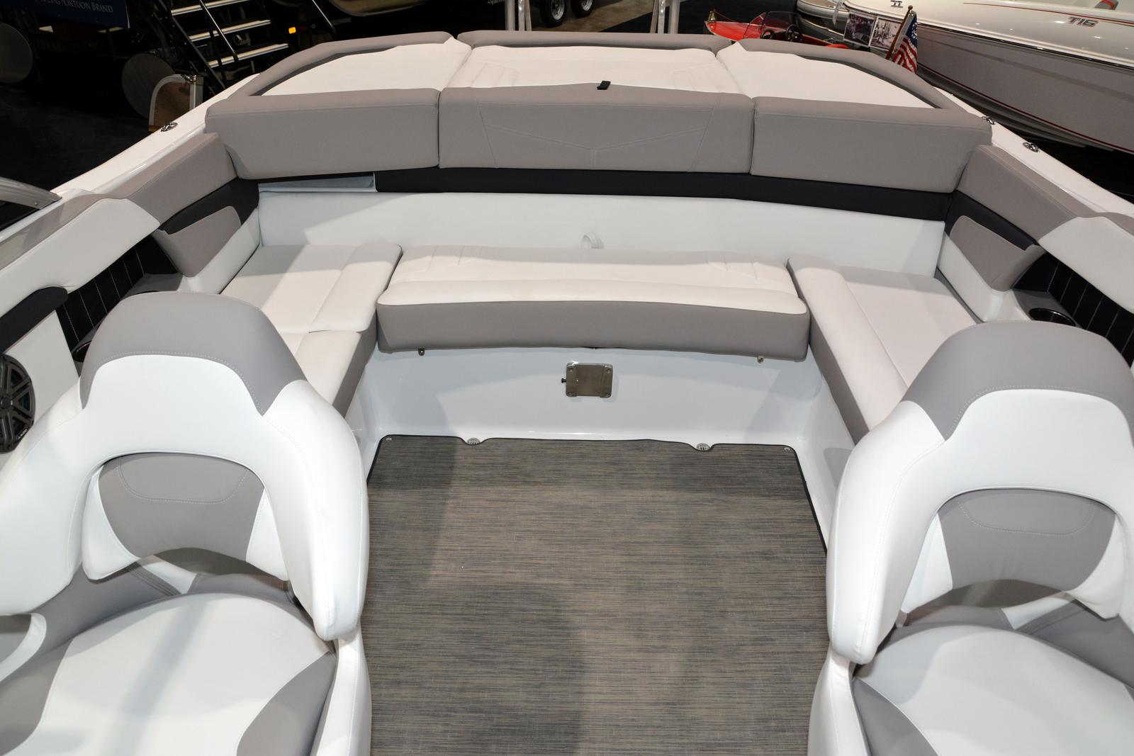 2020 Four Winns boat for sale, model of the boat is Horizon 230 & Image # 14 of 14
