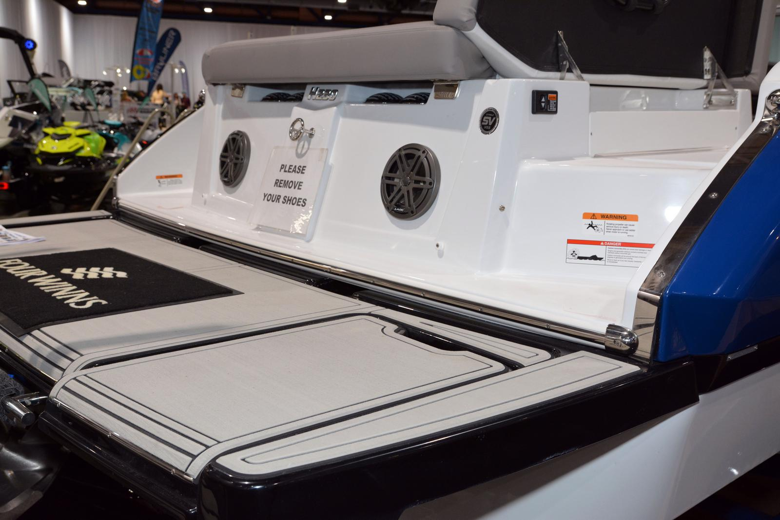 2020 Four Winns boat for sale, model of the boat is Horizon 230 & Image # 2 of 14