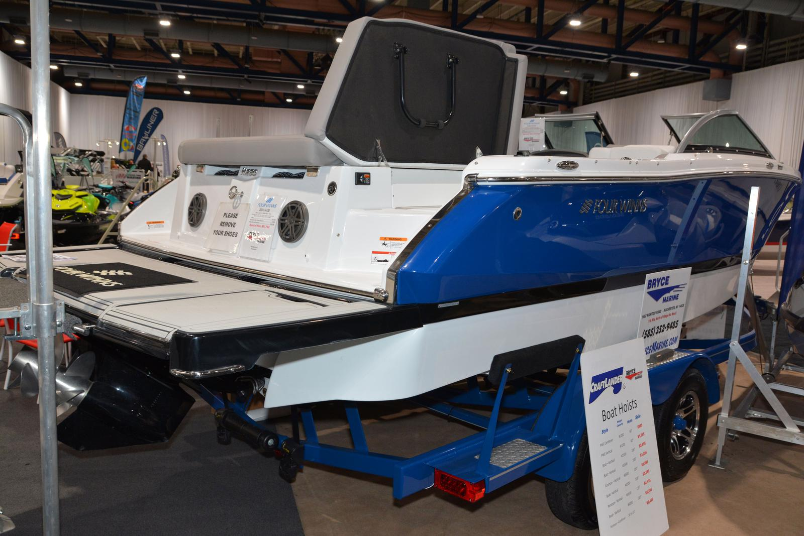 2020 Four Winns boat for sale, model of the boat is Horizon 230 & Image # 9 of 14