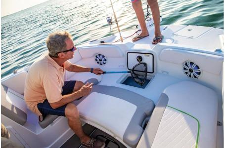 2020 Tahoe boat for sale, model of the boat is 2150 CC & Image # 10 of 50