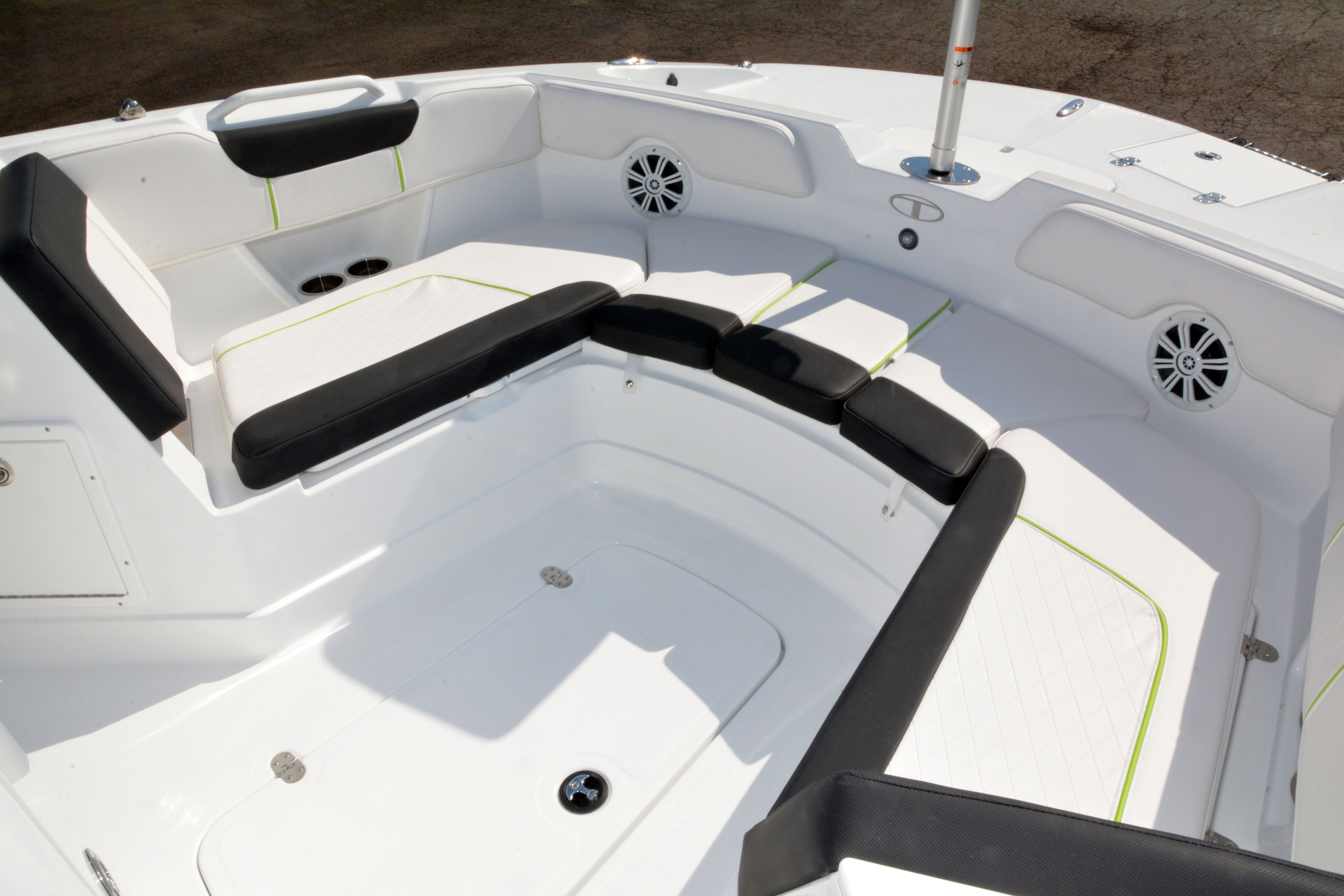 2020 Tahoe boat for sale, model of the boat is 2150 CC & Image # 30 of 50