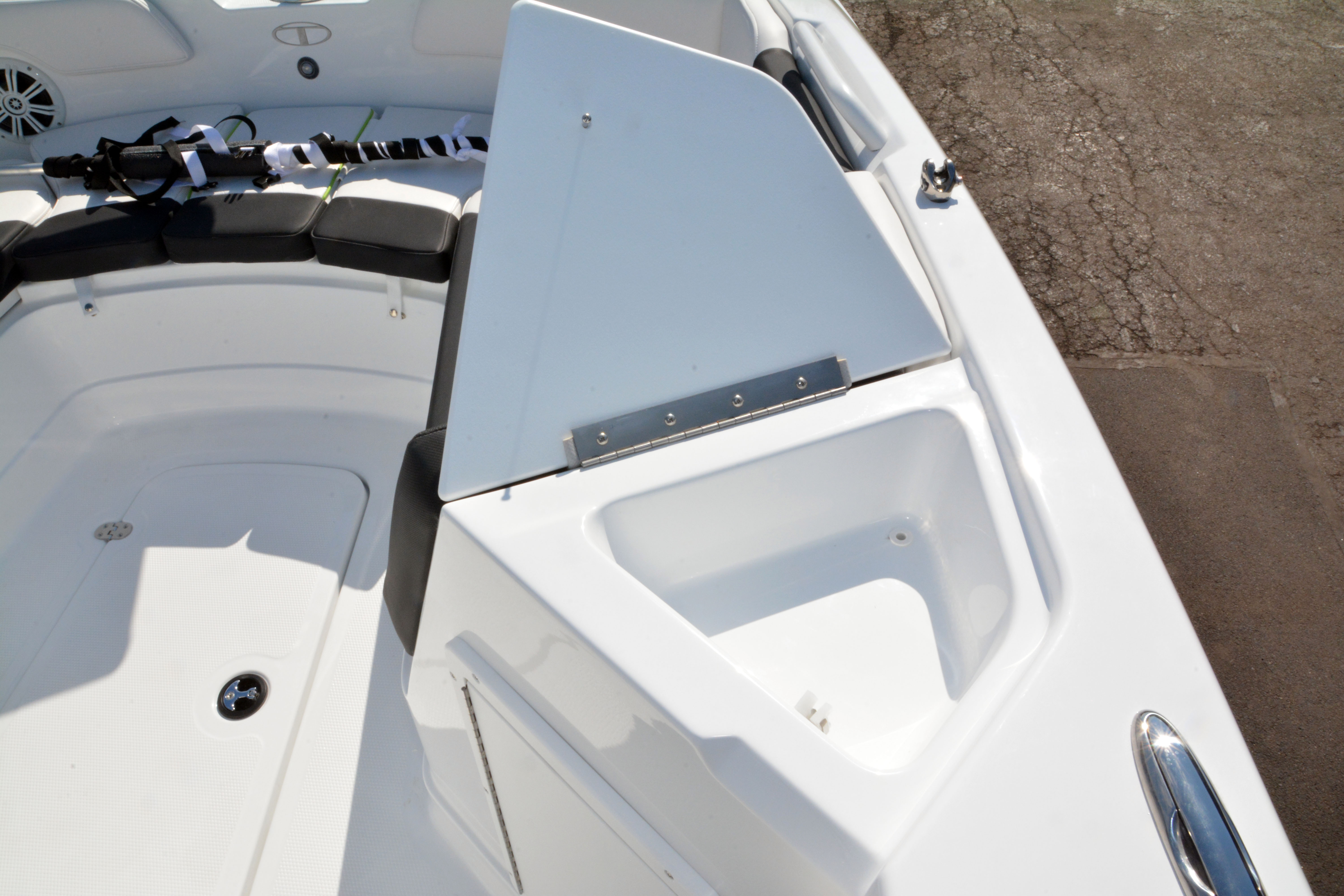 2020 Tahoe boat for sale, model of the boat is 2150 CC & Image # 33 of 50