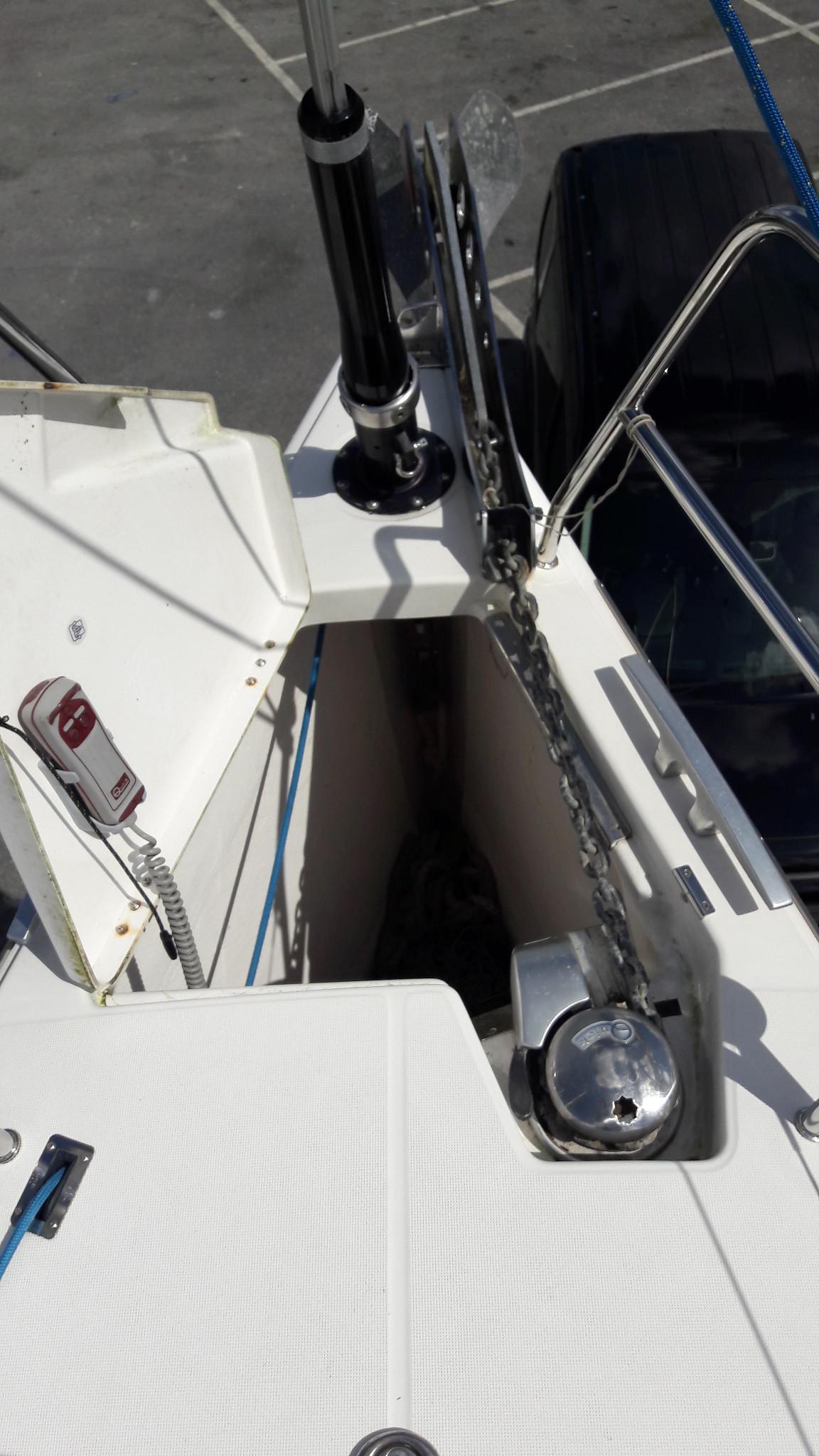 Dufour 40e anchor locker