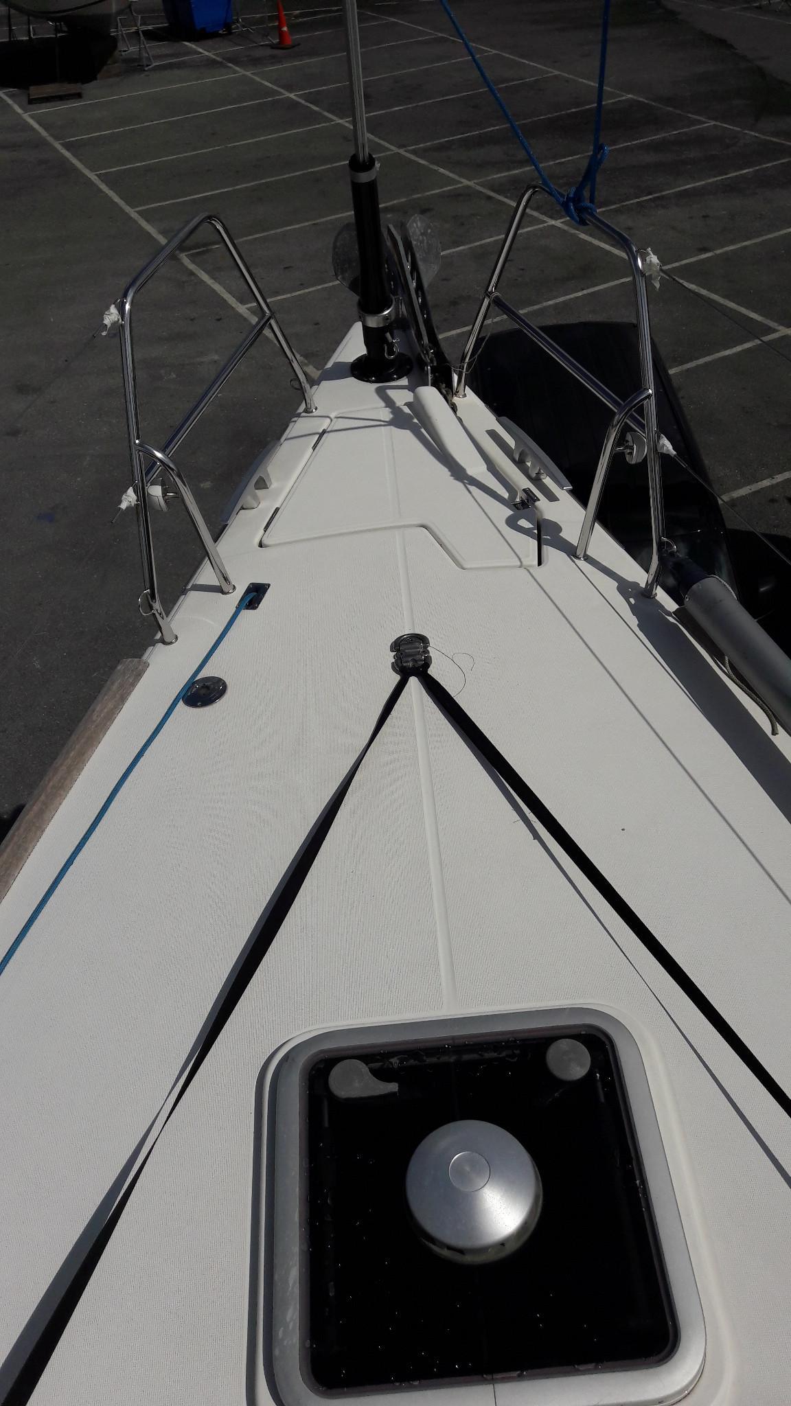 Dufour 40e bow