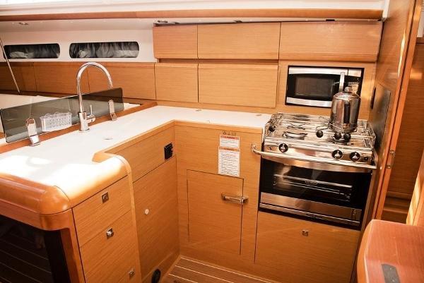Jeanneau Sun Odyssey 419 Brokerage BoatsalesListing